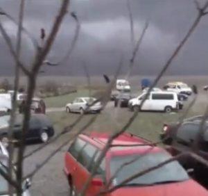 """Закарпатські """"євроавто"""" масово заполонили двори словацької Ублі (відео)"""