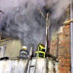 У Хусті під час пожежі рятувальники евакуювали 7 людей (фото)