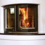 Чугунные дверцы для камина со стеклом – позитивные характеристики