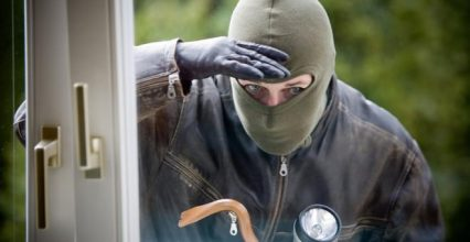 """Навала """"домушників"""" на Ужгород: понад два десятки квартирних крадіжок з початку року"""