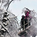 На Закарпатті різке погіршення погоди – енергетики, автодорожники, рятувальники та комунальні служби працюють у особливому режимі