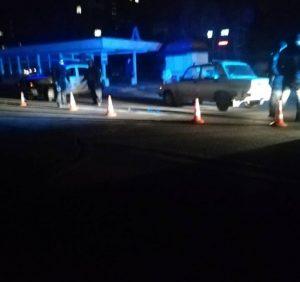 В Ужгороді автівка збила нічного пішохода на неосвітленій вулиці Грушевського (фото)