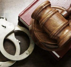 Прокуратура затвердила обвинувальний акт двом мешканцям Ужгородщини, які вимагали 1700 дол США та 300 Євро