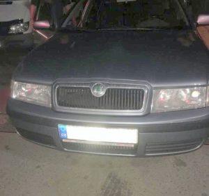 Прикордонники виявили зброю у чеха, який прямував на в'їзд в Україну (фото)