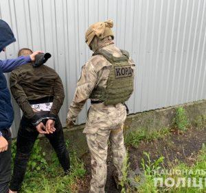 На Виноградівщині поліцейські викрили наркоторговця