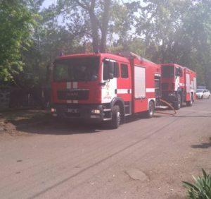 Ужгородські вогнеборці ліквідували пожежу в закинутій будівлі