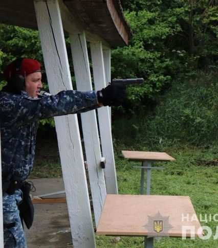 Правоохоронці Закарпаття провели змагання зі стрільби