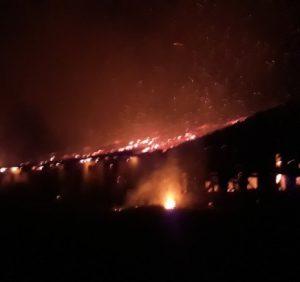 Виноградівські вогнеборці ліквідували пожежу у господарських будівлях