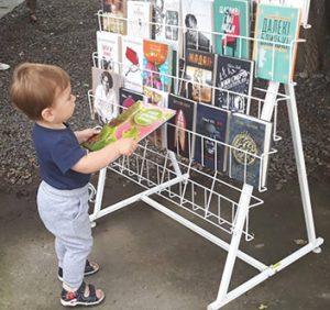 Ужгородців запросили до бібліотеки обміняти прочитані книжки на нові