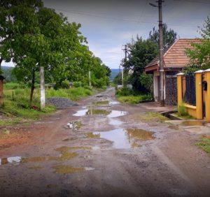 Ужгородське бездоріжжя – сумні реалії вулиці Канальна (відео)