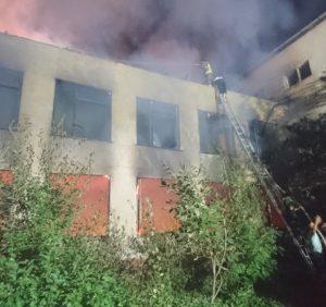 В Берегові горіла школа (фото, відео)