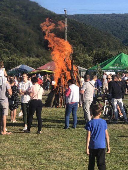 Традиційна «Лемківська ватра» зібрала гостей на Перечинщині (відео)