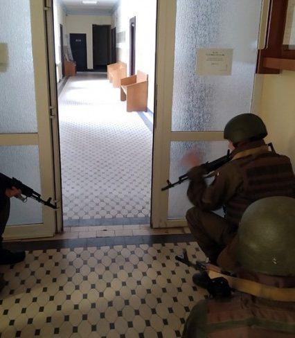 В Закарпатському Апеляційному суді тренувались нацгвардійці та працівники поліції