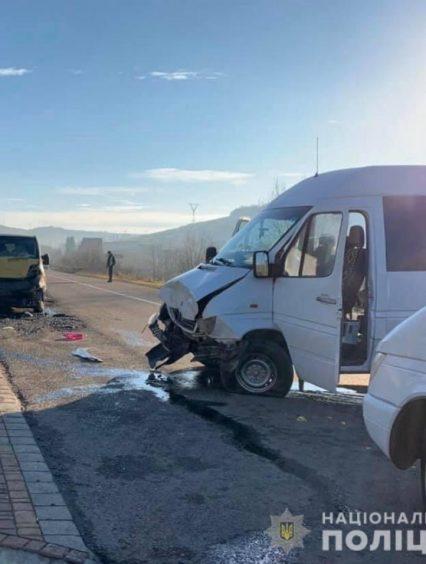 Поліція Воловеччини встановлює обставини автопригоди у селі Верхні Ворота