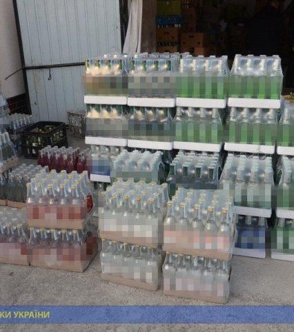 СБУ блокувала незаконне виробництво та збут алкосурогату у двох західних областях – Івано-Франківській та Закарпатській