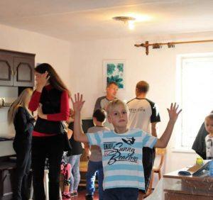 Рейдери з Ужгородської міськради відбирають приміщення у дітей