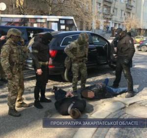 За доводами прокуратури учасників злочинного угрупування з Мукачева суд відправив за ґрати
