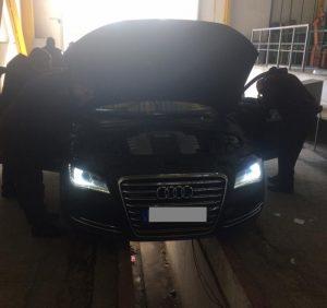 Прикордонники Чопського загону вчергове виявили контрабандні сигарети в автомобілі дипломата