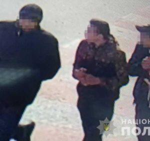 В Ужгороді озброєні підлітки пограбували перехожого. Розбійників затримано