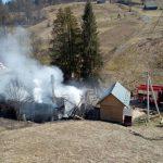 У міжгірських Рекітах вогонь знищив кафе-магазин (фото)