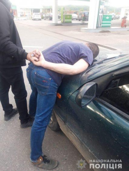 На Рахівщині поліцейські затримали наркоторговця