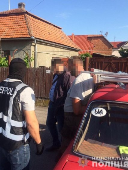 На Закарпатті поліція затримала чоловіка, який перебував у міжнародному розшуку