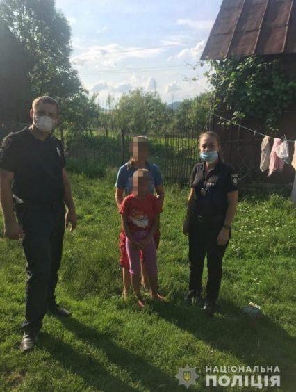 У селі Тур'я Пасіка під час збору грибів мама загубила свою неповнолітню дочку. Розшукати дівчинку допомогли правоохоронці