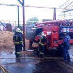 У Перечині сталася пожежа на підприємстві з виготовлення паливних брикетів (фото)
