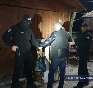 Правоохоронці викрили схему підкупу виборців на користь одного з претендентів на посаду міського голови Ужгорода