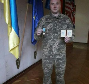Міністр оборони України нагородив медаллю полковника з Ужгорода Миколу Журавльова (фото)