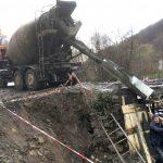 У закарпатській Чорноголові розпочали ремонт мосту (фото)