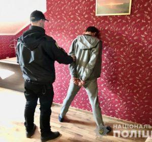 Поліцейські Закарпаття розкрили розбійний напад на підприємство у Мукачеві