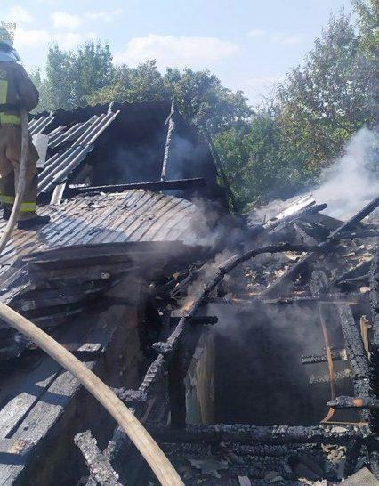 Виноградівські рятувальники ліквідували пожежу в квартирі житлового будинку